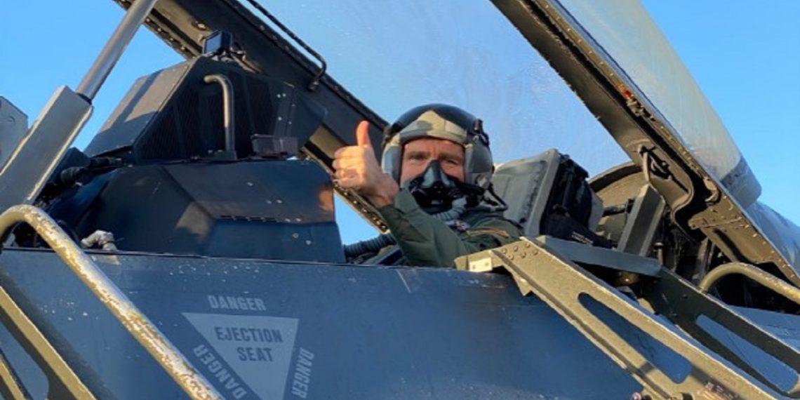 Millyet: Σκανδαλώδης η πόζα Πάιατ σε πιλοτήριο μαχητικού στην άσκηση «Ηνίοχος 21» [pics]
