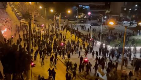 Πανιώνιος – Ηλιούπολη: Βίντεο από τα αιματηρά επεισόδια στη Νέα Σμύρνη