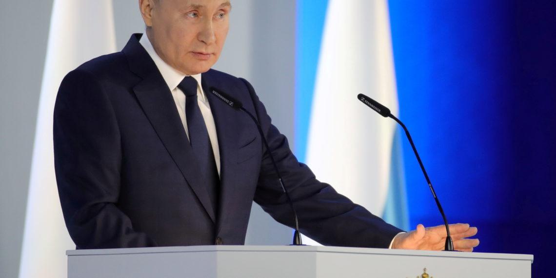 Πούτιν: Θα σπάσουμε τα δόντια σε όποιον επιβουλεύεται τα εδάφη μας
