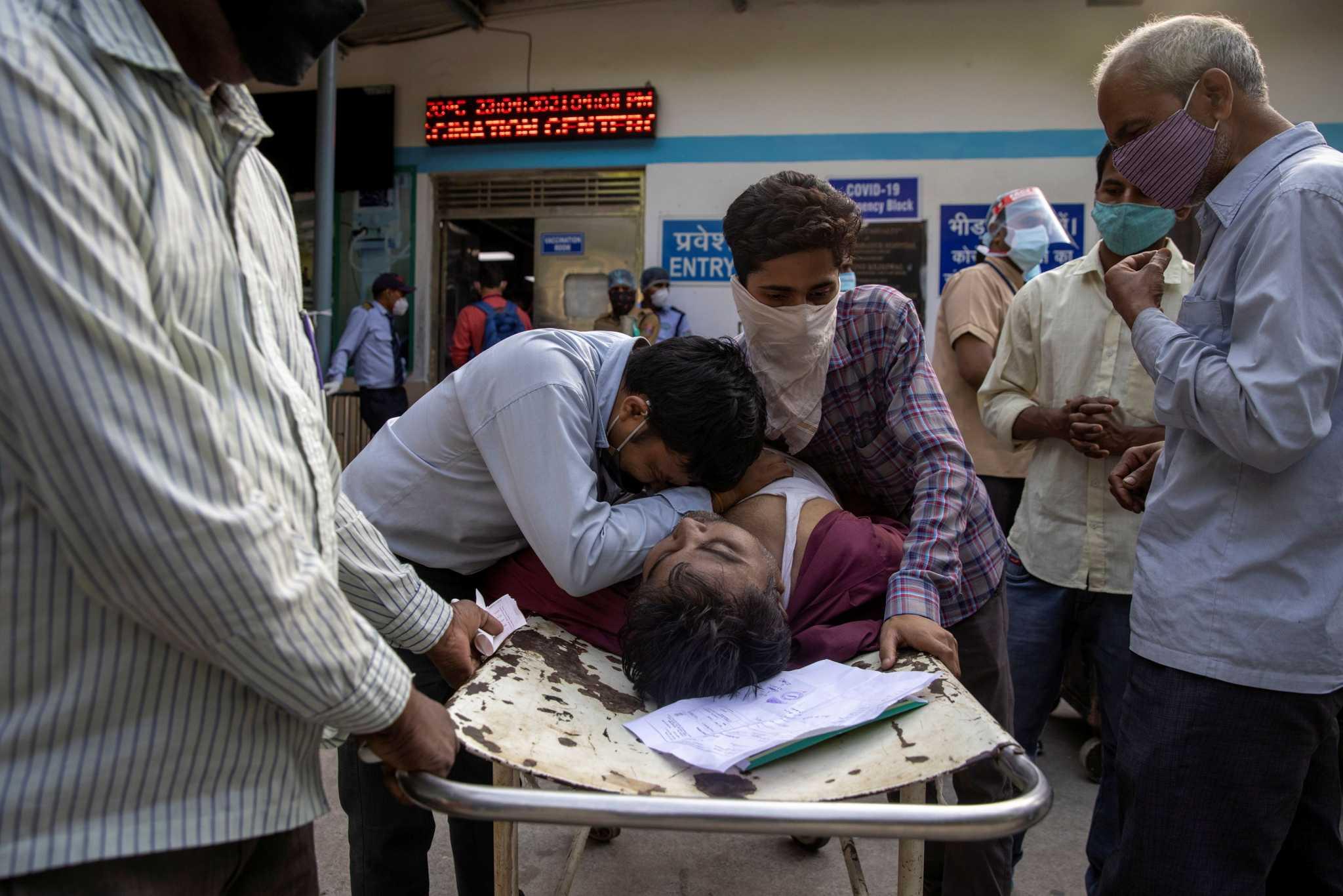 «Βράζει» στον κορονοϊό η Ινδία – Πιέσεις για καθολικό lockdown