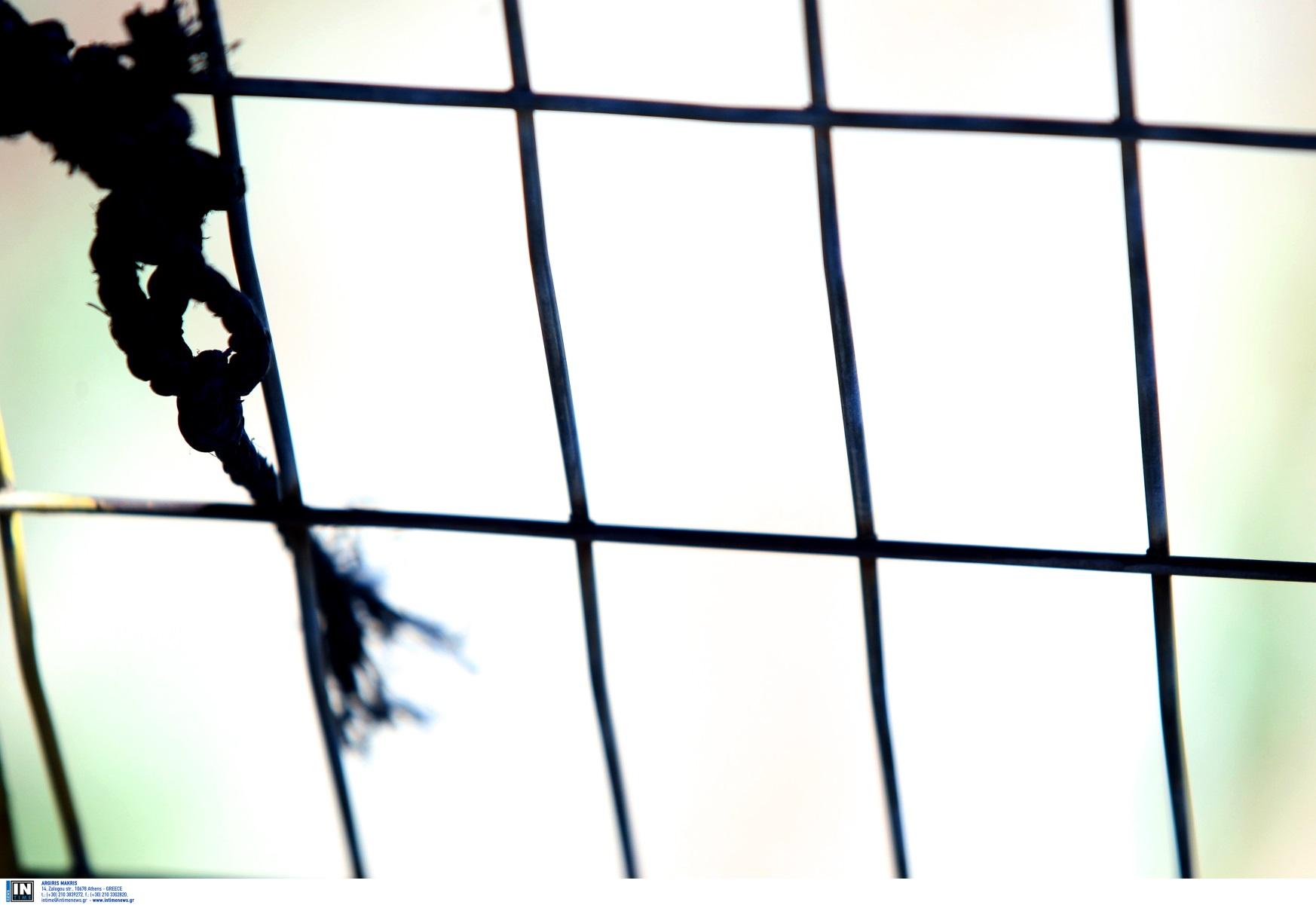 Τραγωδία στην Πάτρα: 58χρονος κρεμάστηκε στο δωμάτιο του σπιτιού του