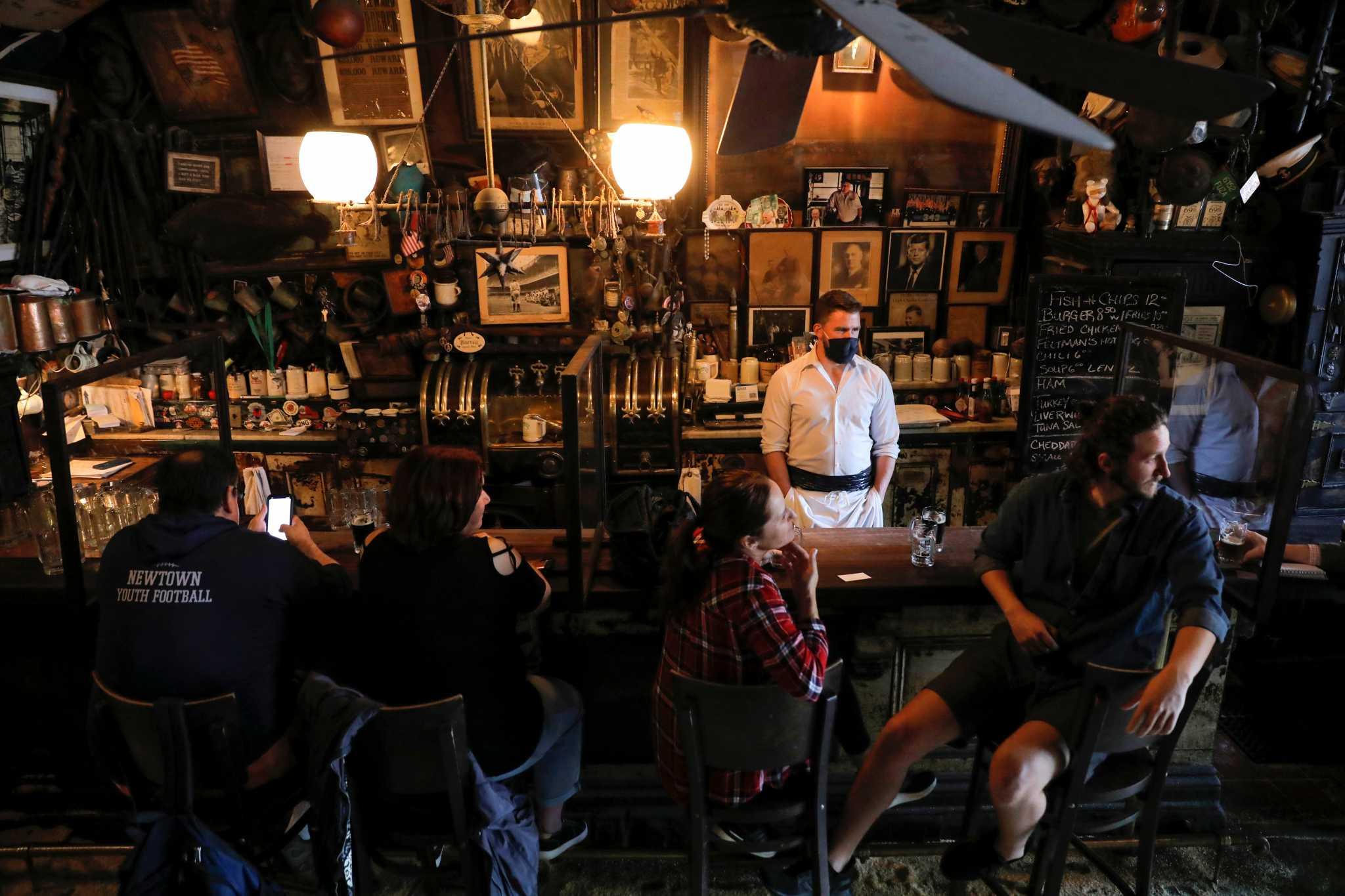 Το αλκοόλ φέρνει πιο κοντά τους ξένους… σωματικά – Τι «δείχνει» νέα έρευνα