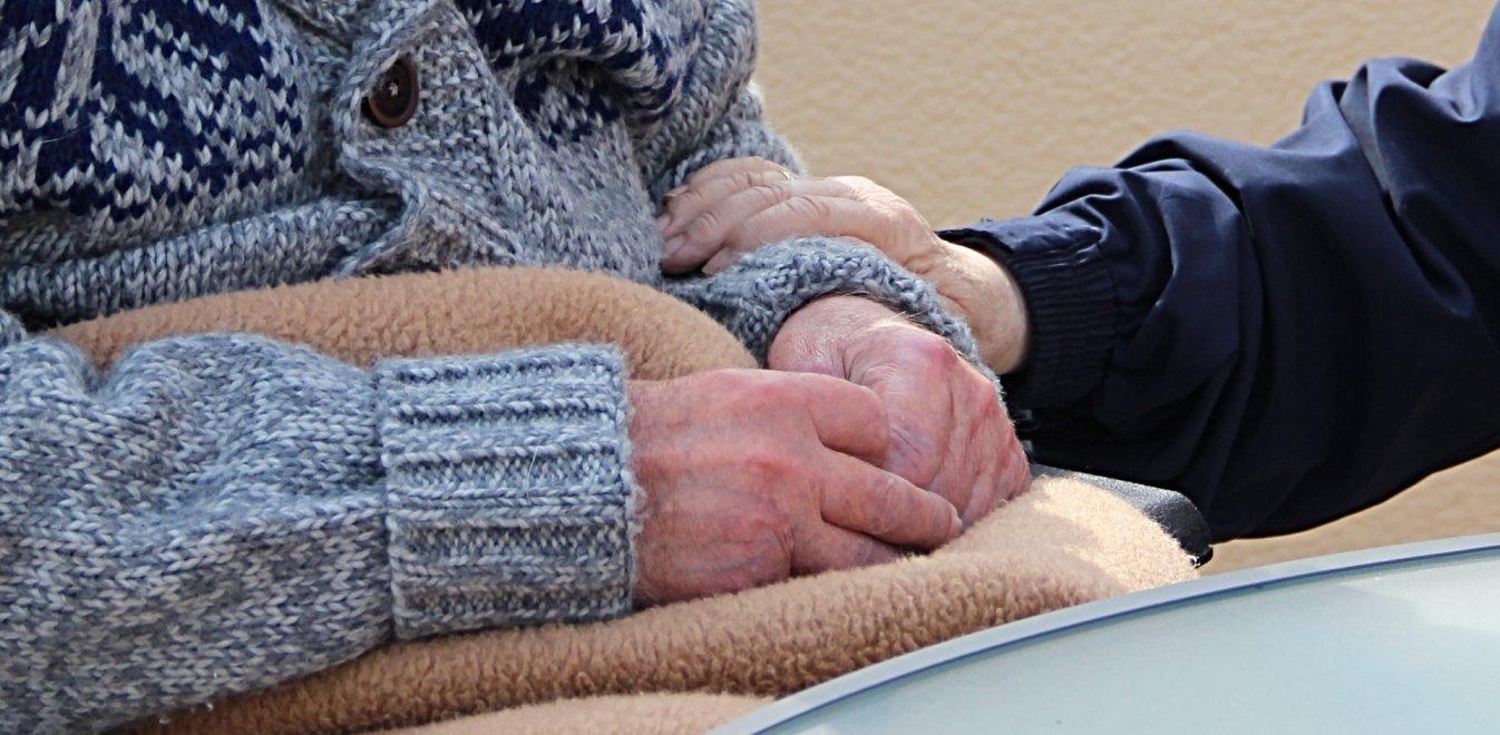 Δολοφονία στην Αιτωλοακαρνανία: Εφυγε η 85χρονη που ήταν δεμένη με τον νεκρό σύζυγό της