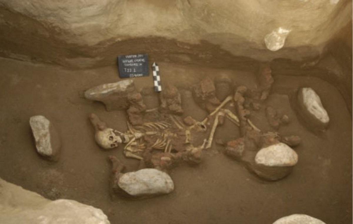 Ερευνητές ανακάλυψαν γενετικές ομοιότητες μεταξύ των σημερινών Ελλήνων με όσους ζούσαν… το 2.000 π.Χ. (pics)