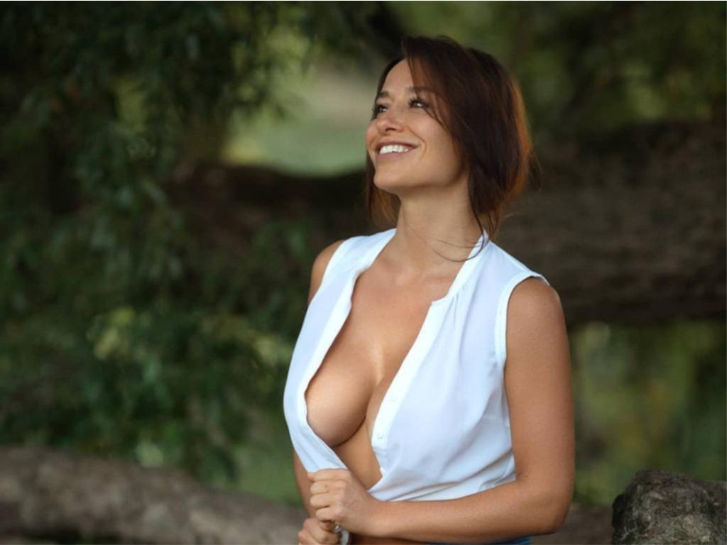 Η Γερμανίδα καλλονή με το πιο σέξι μπούστο στο Instagram!
