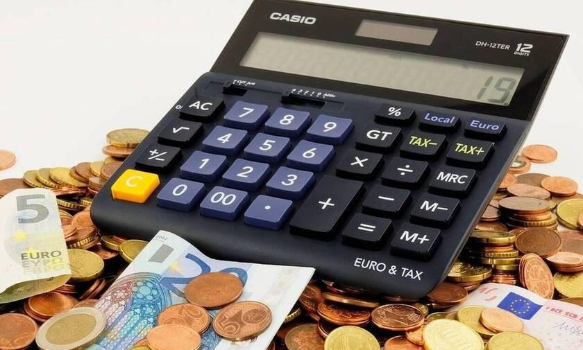 Προκαταβολή φόρου: Πόσο μειώνεται και ποιοι είναι οι μεγάλοι κερδισμένοι – Παραδείγματα