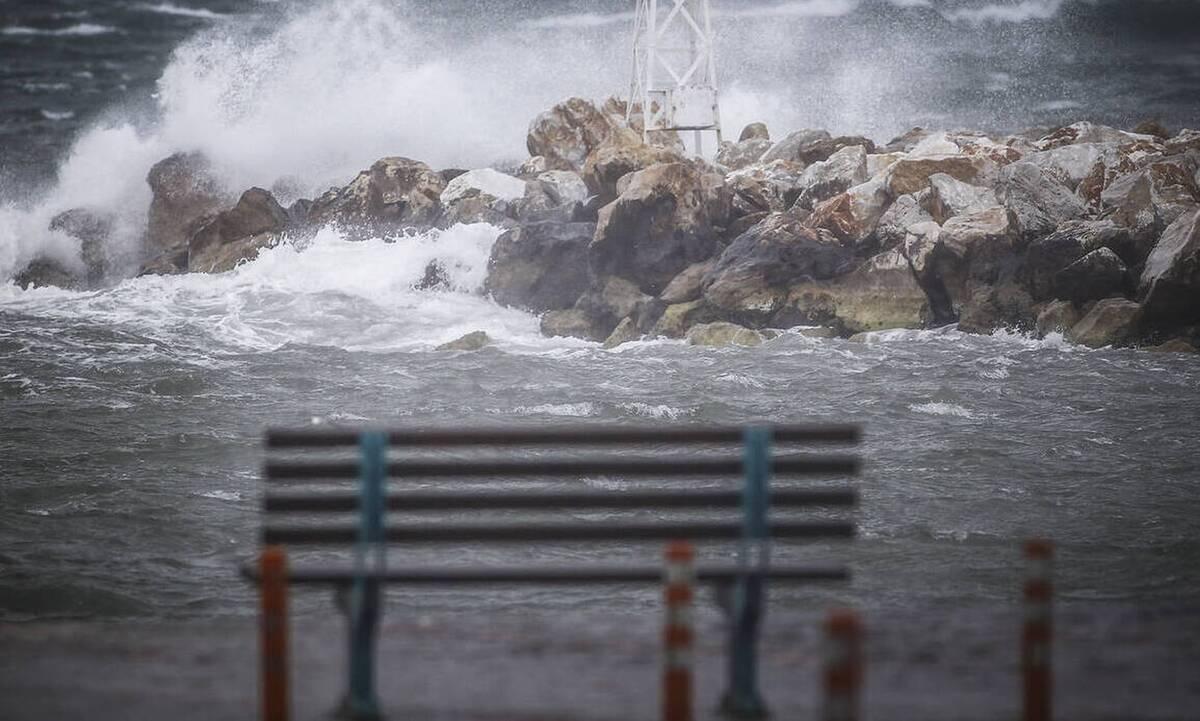 Καιρός – ΕΜΥ: Επιστρέφουν οι βροχές και οι καταιγίδες το Σαββατοκύριακο. Σε ποιες περιοχές…