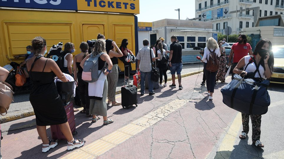 Αρση lockdown: Καταργούνται από την Παρασκευή τα sms – Ελεύθερες οι μετακινήσεις από νομό σε νομό