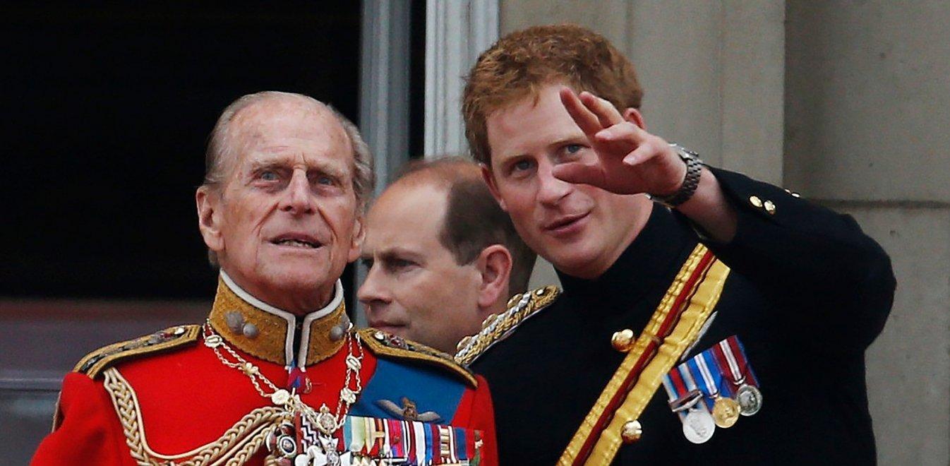 Πρίγκιπας Φίλιππος: 3 πρόσωπα έκπληξη στη διαθήκη των 34 εκατ. ευρώ – Δεν ξέχασε τον Χάρι