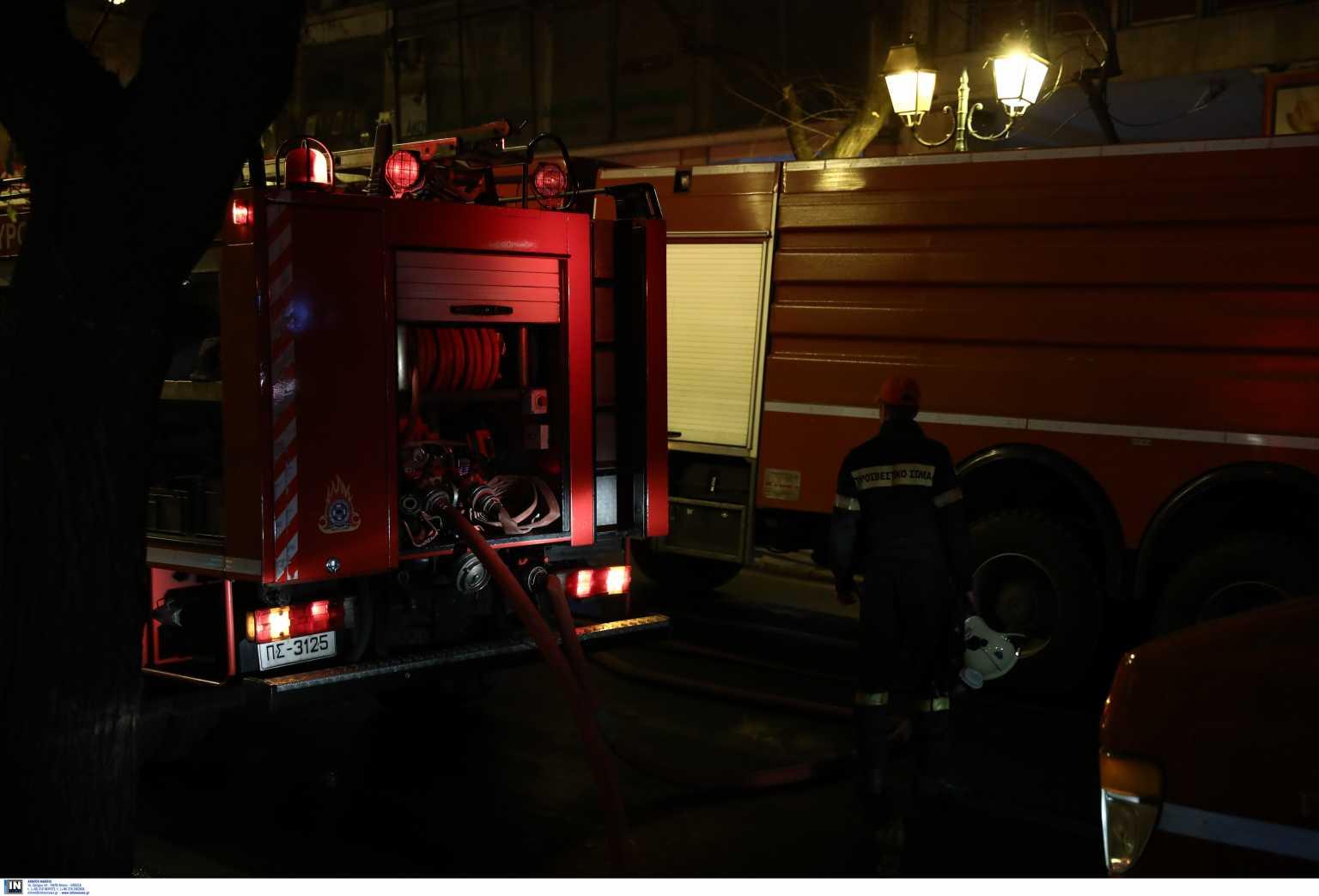 Μεσολόγγι: 3 σπίτια έχουν τυλιχθεί στις φλόγες στην περιοχή Σταμνά
