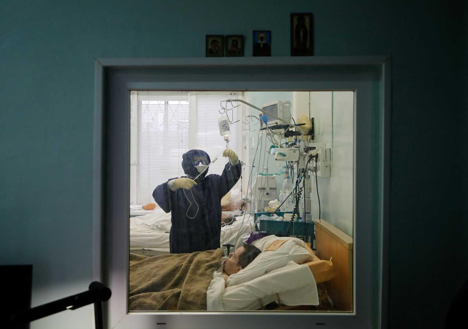 Ρωσία: 8.380 νέα κρούσματα και 392 νεκροί το τελευταίο 24ωρο