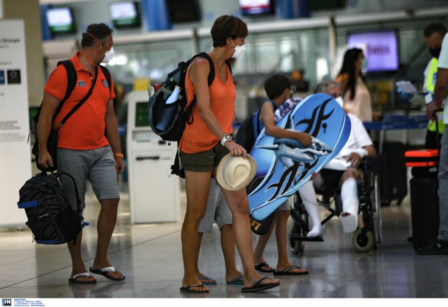 Αγωνία για τον τουρισμό – Η Βρετανία αφήνει προσωρινά εκτός «πράσινης λίστας» την Ελλάδα