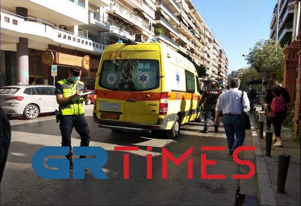 Θεσσαλονίκη: Μηχανάκι παρέσυρε κοπέλα (pics, vid)