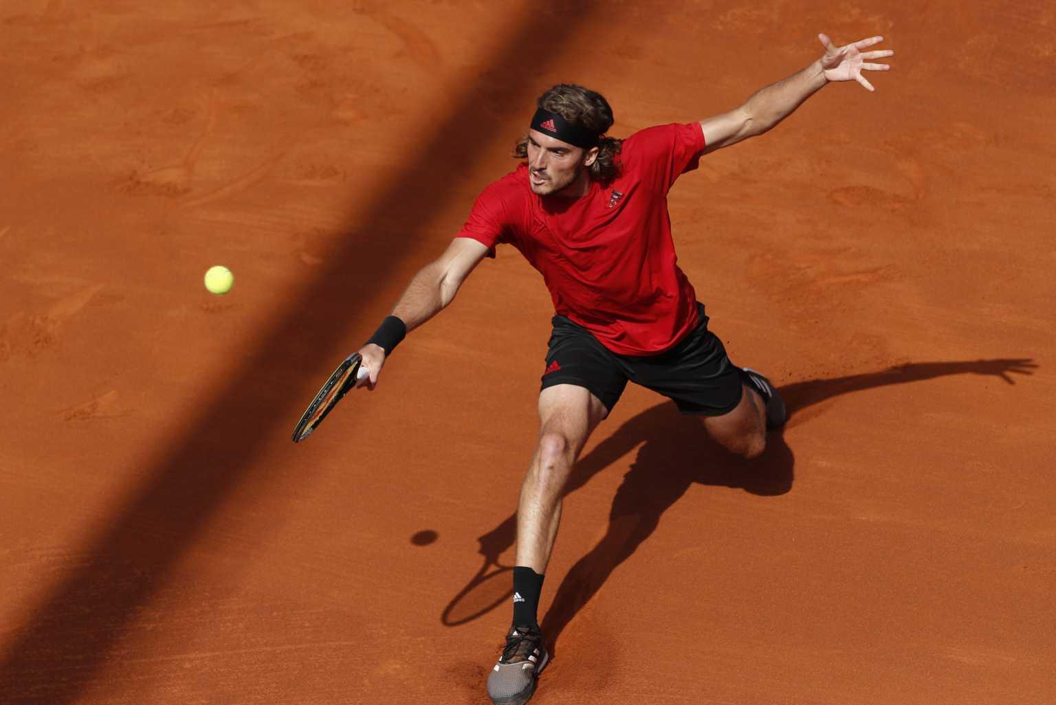Χωρίς «ανάσα» ο Τσιτσιπάς, κληρώθηκε στη Λιόν πριν το Roland Garros