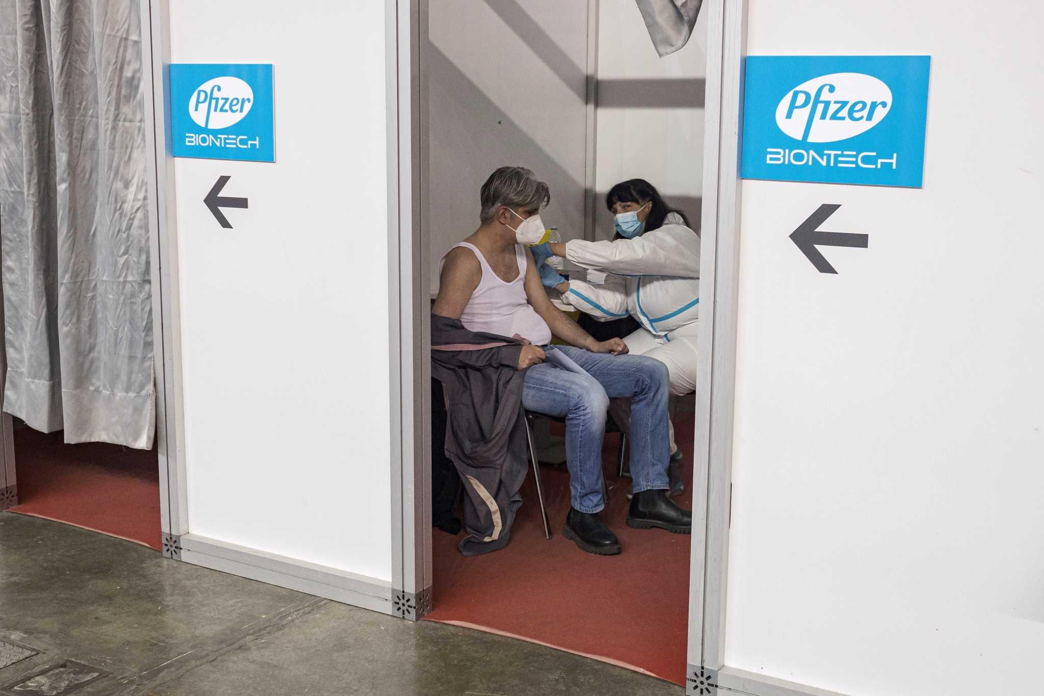 Το εμβόλιο του κορονοϊό εκτινάσσει τα κέρδη της BioNTech για το 2021