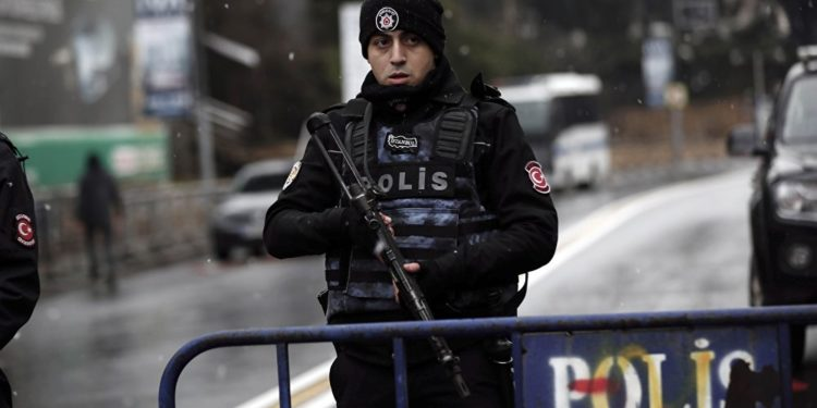 Τουρκία: Ένοπλος εισέβαλε και εκτέλεσε υπάλληλο του φιλοκουρδικού κόμματος HDP