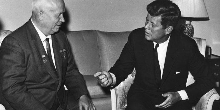Σύνοδοι Κορυφής ΗΠΑ – Ρωσίας: Από τον Ψυχρό Πόλεμο και την ύφεση στις επισκέψεις στο Χόλιγουντ