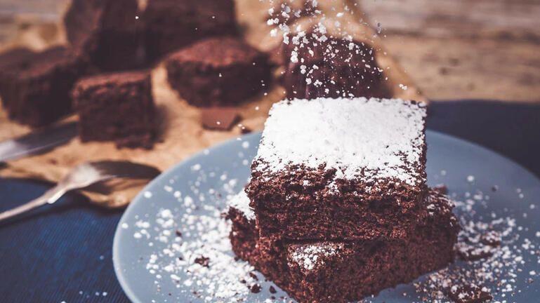 Κέικ σοκολάτας μόνο με δύο υλικά