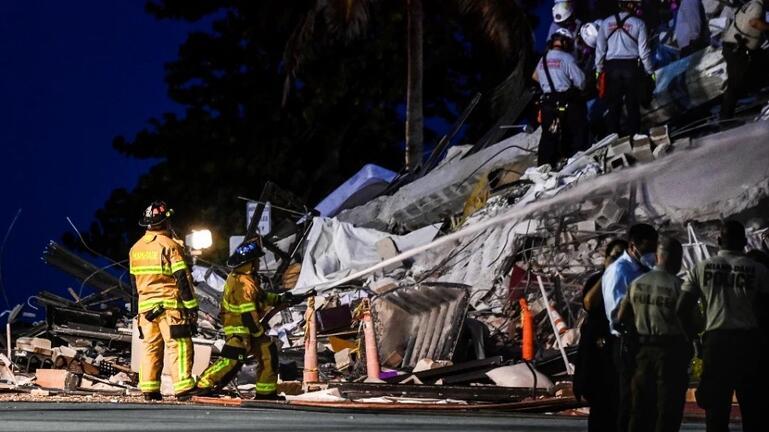 Φλόριντα: Με σόναρ και σκυλιά ψάχνουν τους αγνοούμενους στα ερείπια του κτιρίου που κατέρρευσε