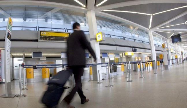 Υπουργείο Τουρισμού: Αυξημένος έλεγχος στους τουρίστες από τη Ρωσία λόγω μετάλλαξης Δέλτα
