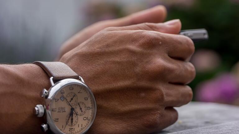 Του έκλεψαν με την βία το πανάκριβο ρολόι που φορούσε