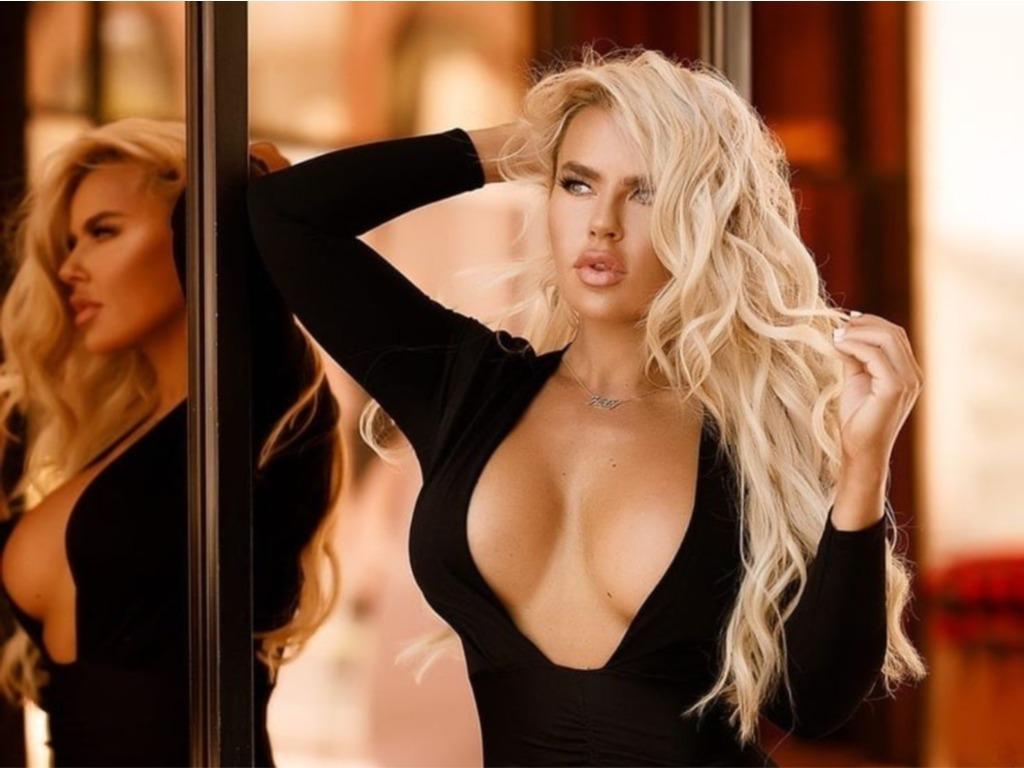 Αν δείτε τις σέξι φωτογραφίες της Holly Barker θα σας πέσει το κινητό από τα χέρια!