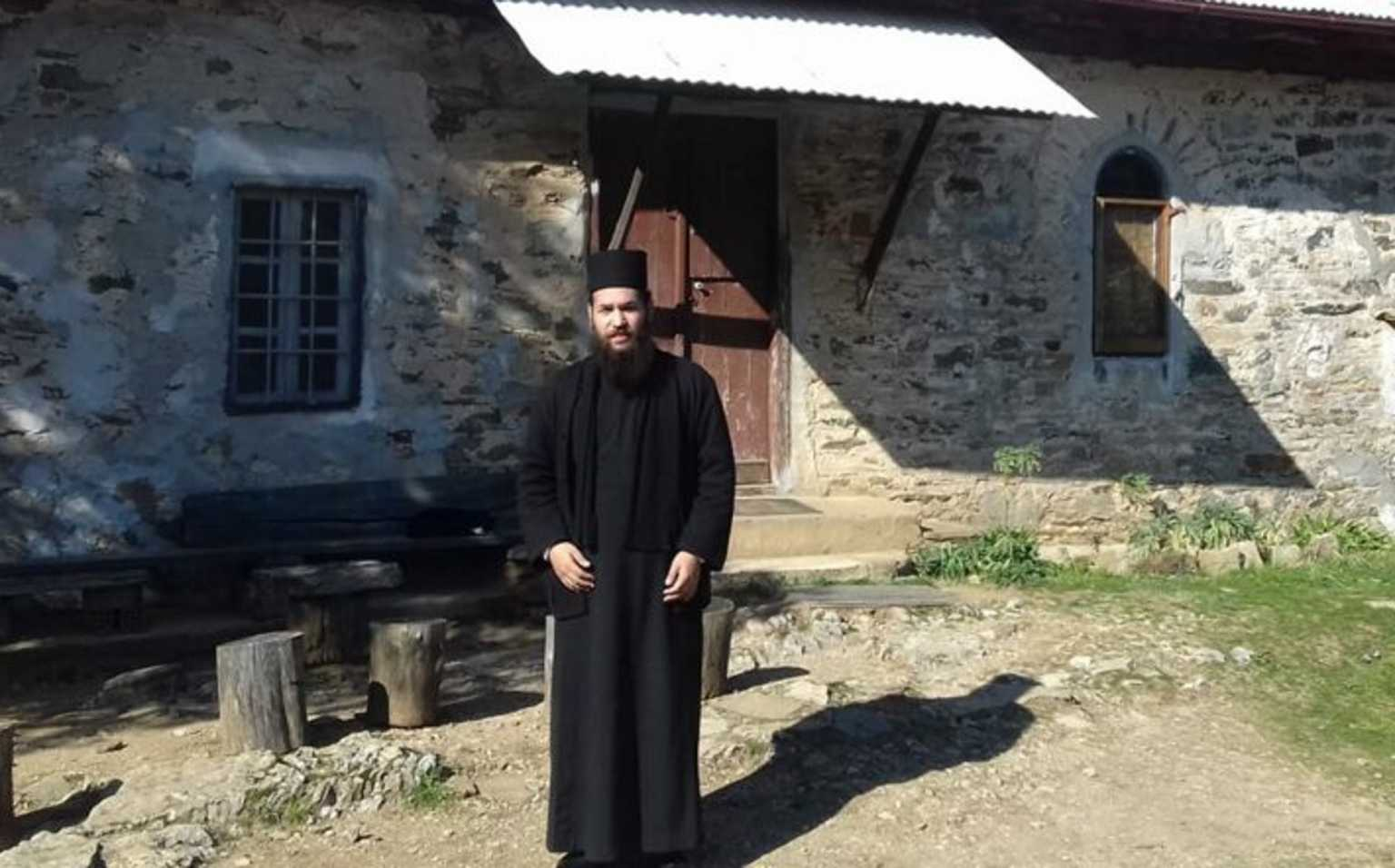 Μονή Πετράκη: Αλλοπρόσαλλη η συμπεριφορά του ιερέα στο κρατητήριο – Τι είπε στους αστυνομικούς