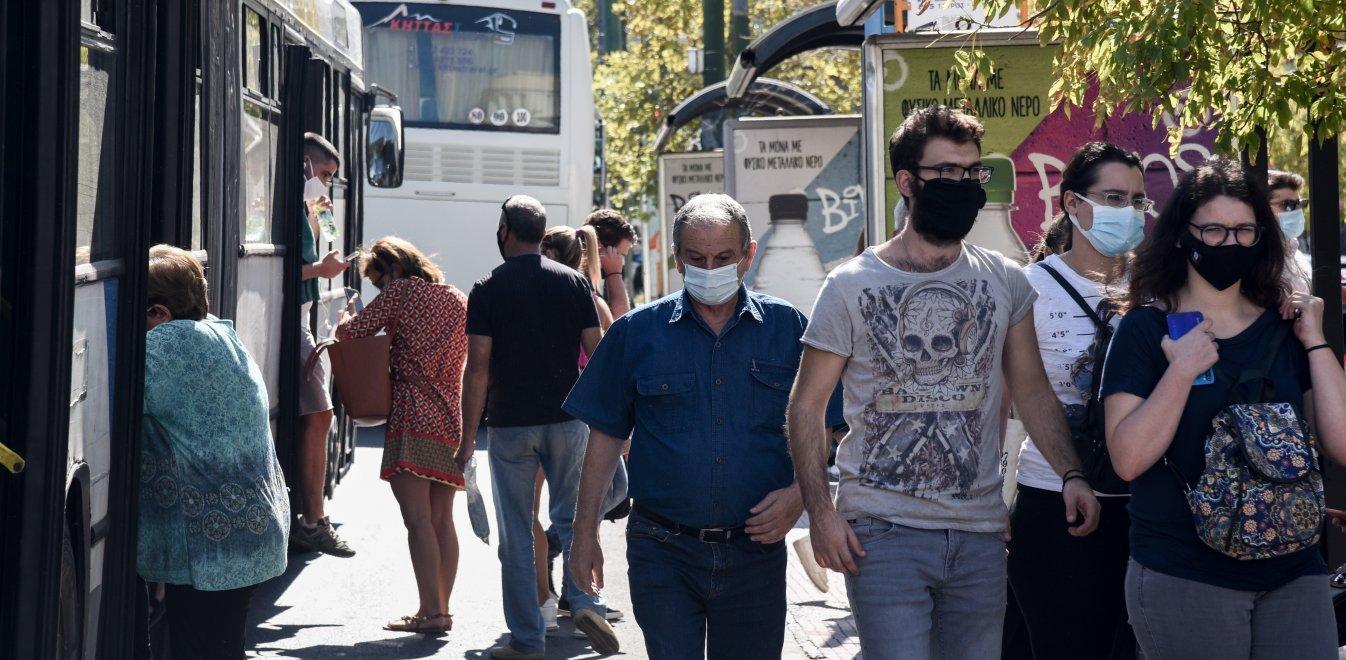 Αρση μέτρων: Μάσκες τέλος σε εξωτερικούς χώρους – Εντός της ημέρας η απόφαση, λέει η Πελώνη