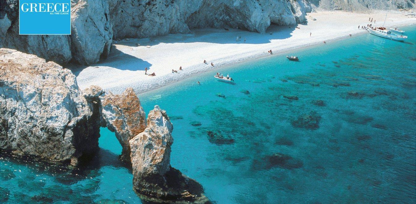 Σκιάθος: Το νησί με τις 69 παραλίες «εμβολιάστηκε» και περιμένει Έλληνες και ξένους