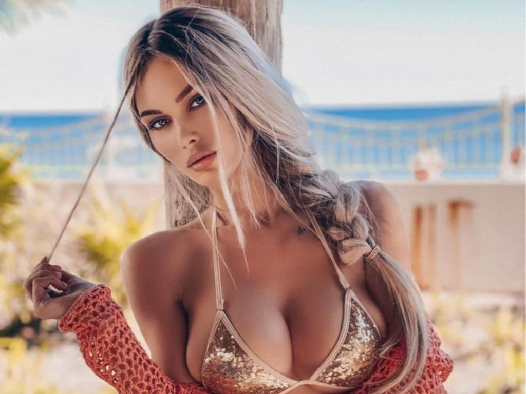Η Ρωσίδα που έχει αναστατώσει το Instagram με το χυμώδες μπούστο της
