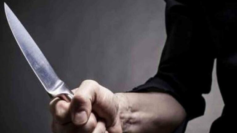 Πρώην αντιδήμαρχος βρέθηκε μαχαιρωμένος στην αποθήκη του σπιτιού του