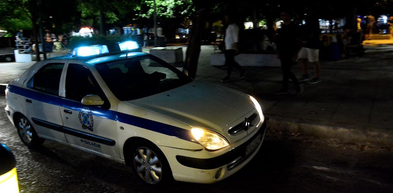 Απίστευτo περιστατικό: Εμβόλισε με το αυτοκίνητο γυναίκα και μαχαίρωσε άνδρα