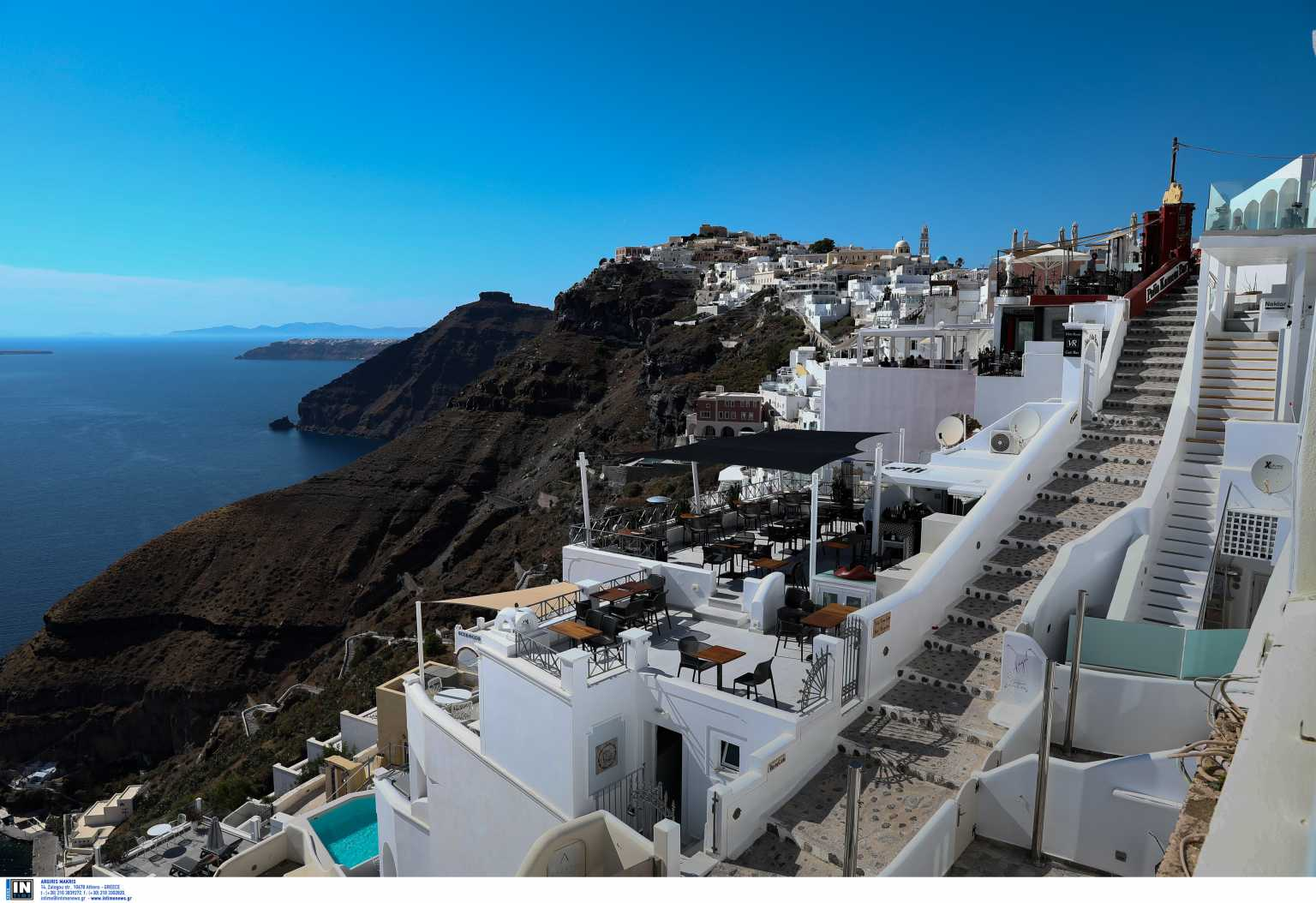 DailyMail: Η Ελλάδα μπαίνει στην πράσινη λίστα για τους Βρετανούς τουρίστες