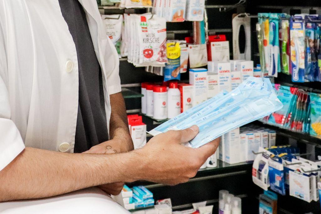 Self test: Αρχίζει ξανά από αύριο η δωρεάν διάθεση στα φαρμακεία – Ποιους αφορά