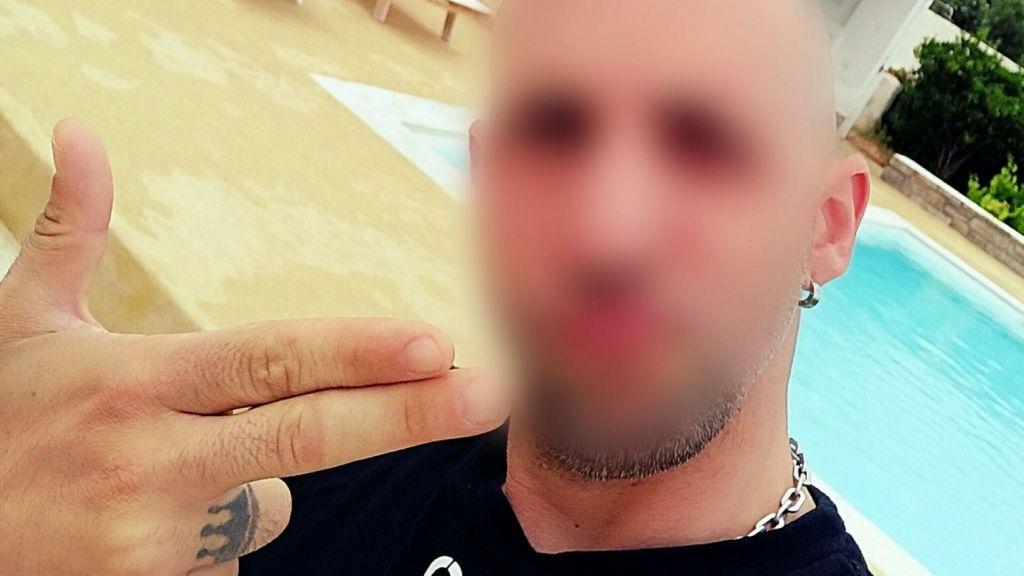 Ηλιούπολη: Προκλητικό μήνυμα του αστυνομικού-μαστροπού για «δολοφόνους αστυνομικούς»