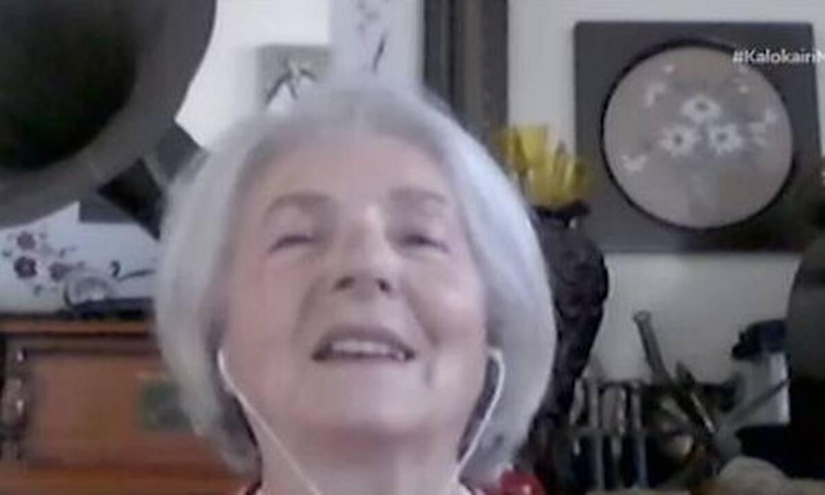 Αριστούχα ετών 76! Πήρε απολυτήριο λυκείου με βαθμό 19,8 (video)