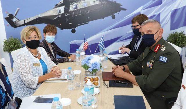 Α/ΓΕΕΘΑ: Διμερής συνάντηση Στρατηγού Φλώρου με αντιπροσωπεία των ΗΠΑ [pics]