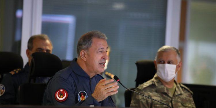Ακάρ: Επίθεση στον ΥΕΘΑ Παναγιωτόπουλο και απειλές περί «προστασίας της Γαλάζιας Πατρίδας»