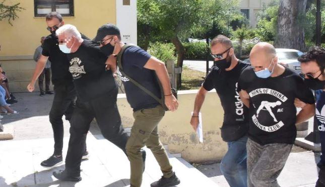 Φρίκη στην Ηλιούπολη: Στον εισαγγελέα ο πατέρας της 19χρονης κι ο αστυνομικός