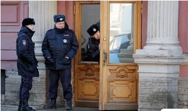 Ρωσία: Ομηρία σε τράπεζα, ο δράστης κρατάει τρεις υπαλλήλους