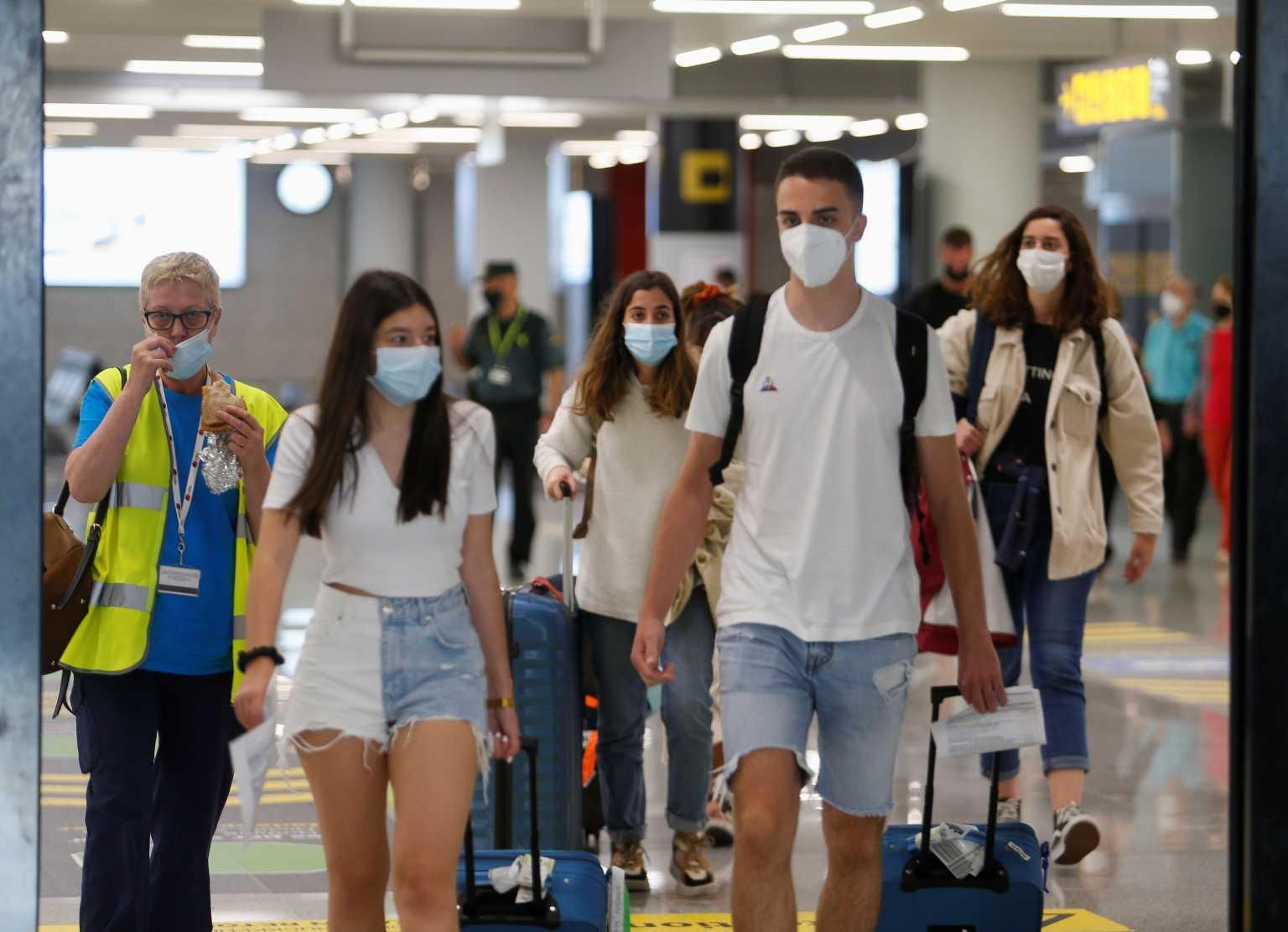 Βρετανία: Καραντίνα τέλος για τους τουρίστες από 19 Ιουλίου – Επιστροφή από Ελλάδα μόνο με τεστ