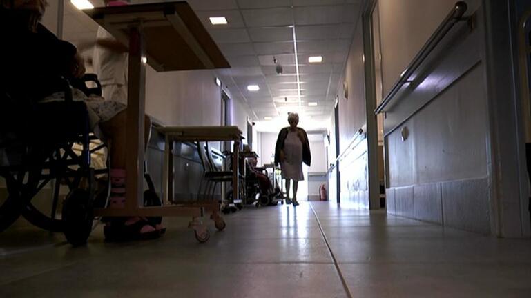 Άλλαξαν στάση μετά το θάνατο της 96χρονης οι ανεμβολιάστοι του Γηροκομείου Βόλου