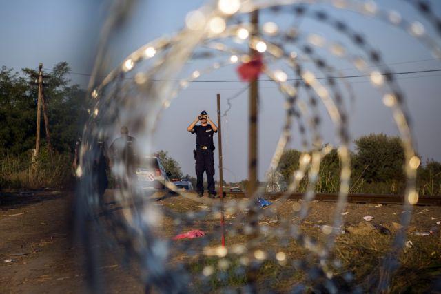 Πολωνία – Yψώνει φράχτη 2,5 μέτρων στα σύνορα με τη Λευκορωσία για να εμποδίσει τις μεταναστευτικές ροές