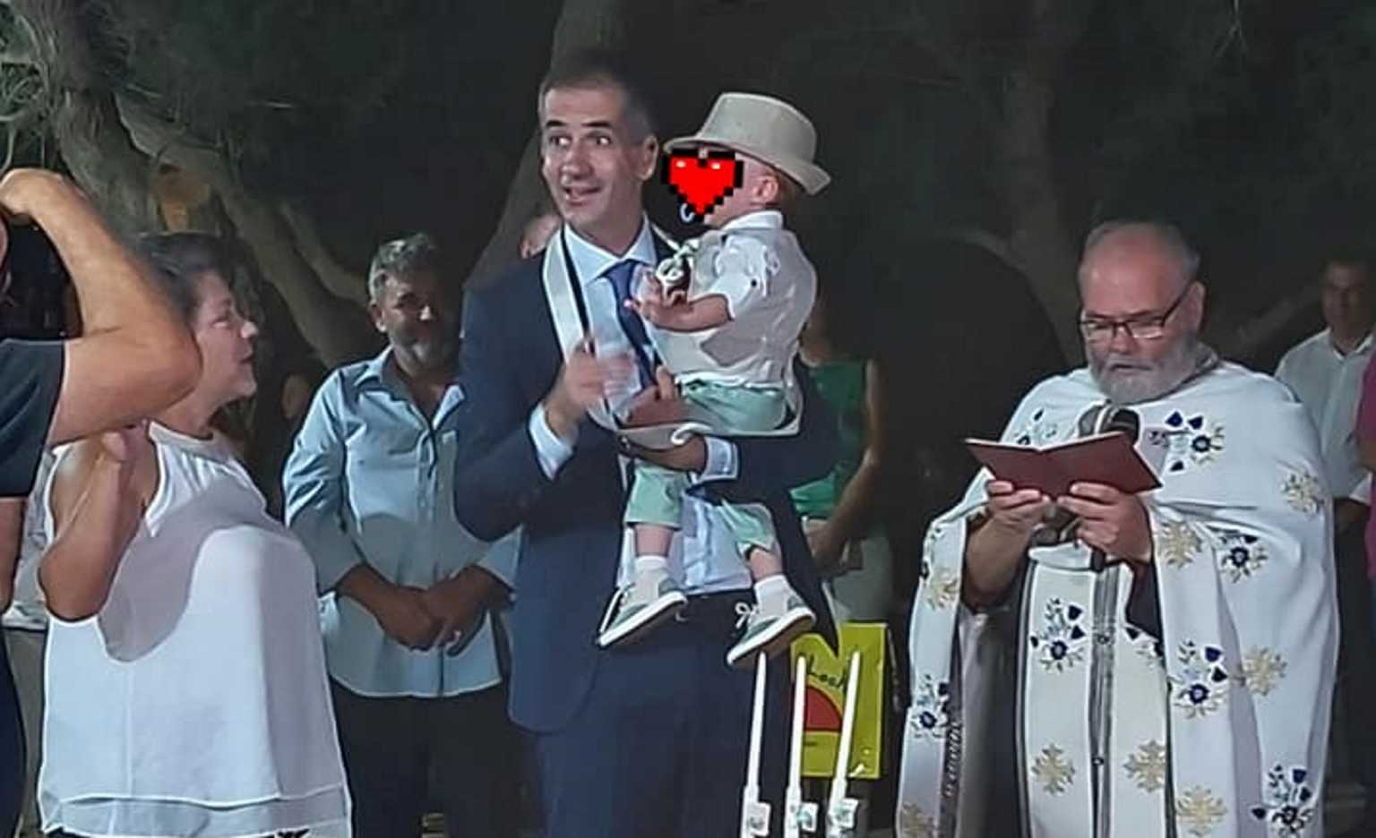 Κώστας Μπακογιάννης: Νονός σε βάφτιση στα Χανιά