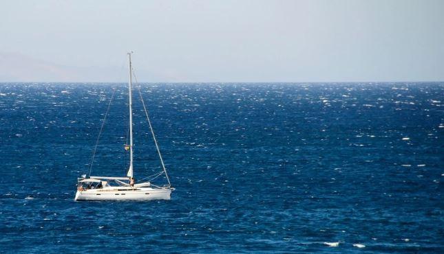 Καιρός: Με ηλιοφάνεια και ενισχυμένους ανέμους ο Δεκαπενταύγουστος