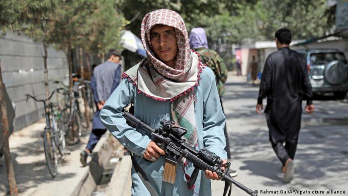 Αφγανιστάν – «Πρέπει να μιλήσουμε με τους Ταλιμπάν»