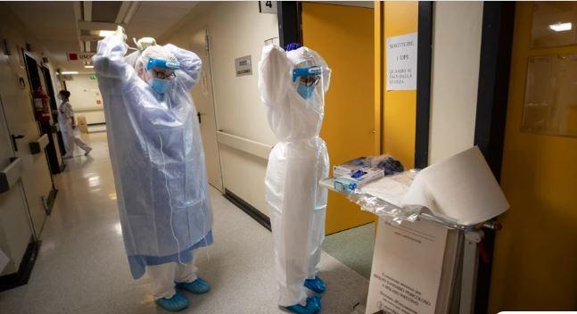 Κορονοϊός: Μπήκε στο νοσοκομείο, γέννησε το παιδί της και πέθανε