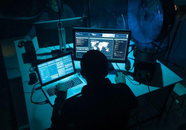 Τ-Mobile – Έρευνα για καταγγελία κλοπής στοιχείων πελατών