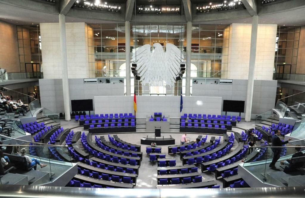 Γερμανία – Όλοι εναντίον όλων και πολιτικό «βέρτιγκο» εν όψει εκλογών