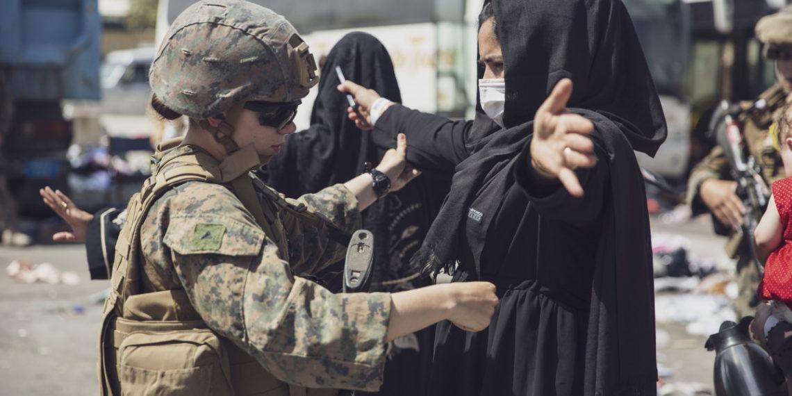 Αφγανιστάν: «Συγκεκριμένη και αξιόπιστη» νέα απειλή για την Καμπούλ – Απομακρυνθείτε από το αεροδρόμιο, λένε οι ΗΠΑ